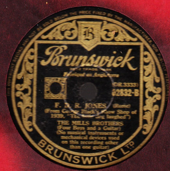 Mills Brothers - Put on your old grey bonnet - Brunswick 02892